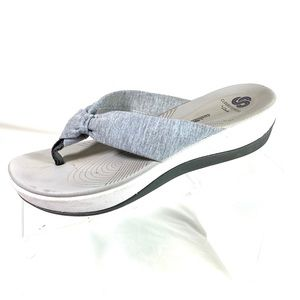 Clarks Cloudsteppers Thong Sandals Gray Size 8 M